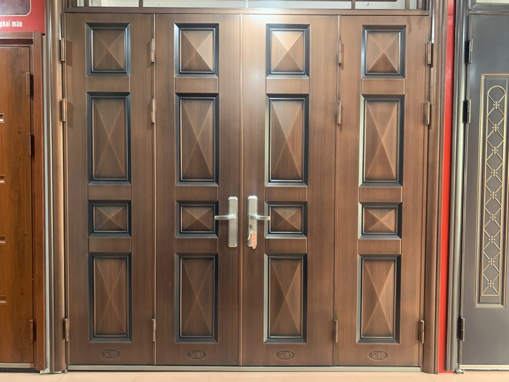 Những mẫu cửa thép vân gỗ 4 cánh tốt nhất