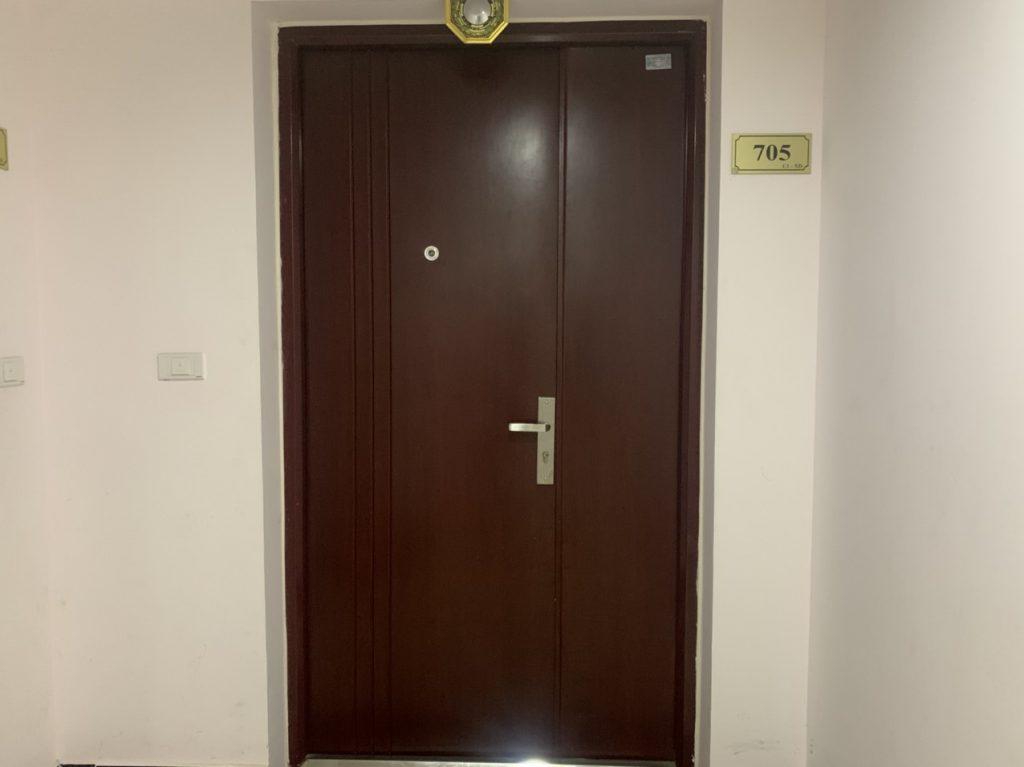Giá cửa thép vân gỗ được tính như thế nào?