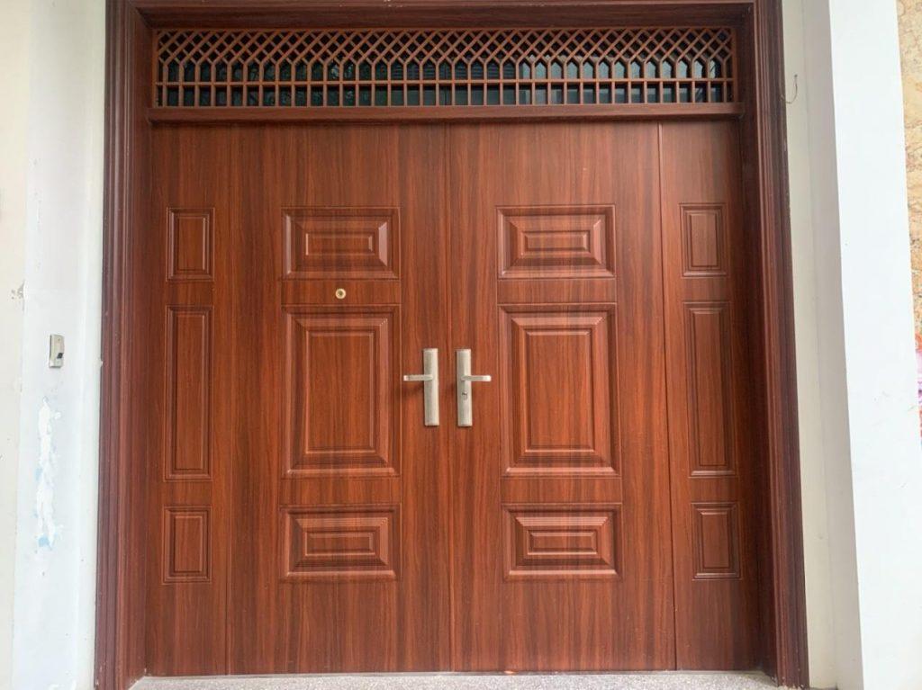 Kết cấu chi tiết cửa thép vân gỗ là gì?