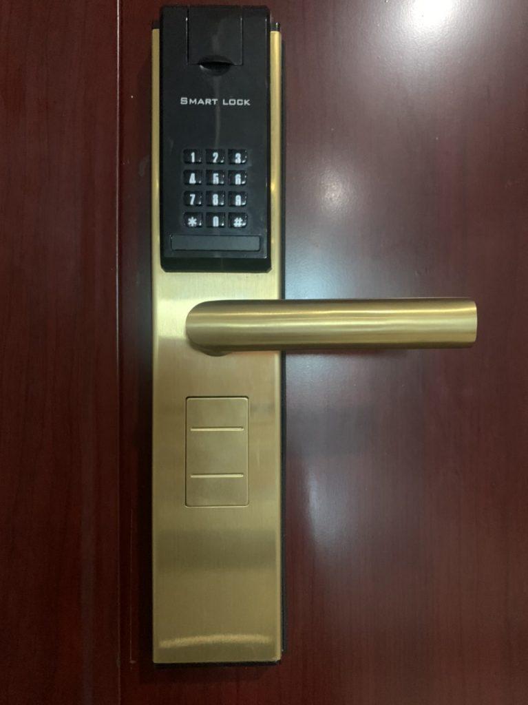 Nguyên tắc lắp cửa thép vân gỗ tphcm an toàn