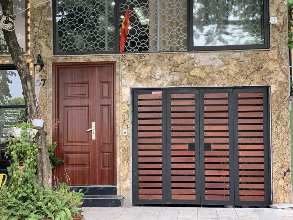 Những ưu nhược điểm của cửa thép vân gỗ?