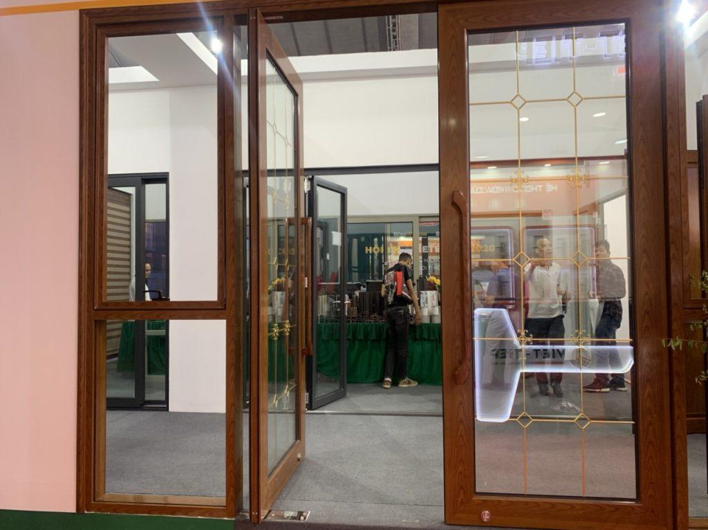 Tìm hiểu về khuôn cửa gỗ, đặc tính và vai trò trong cấu tạo cửa?