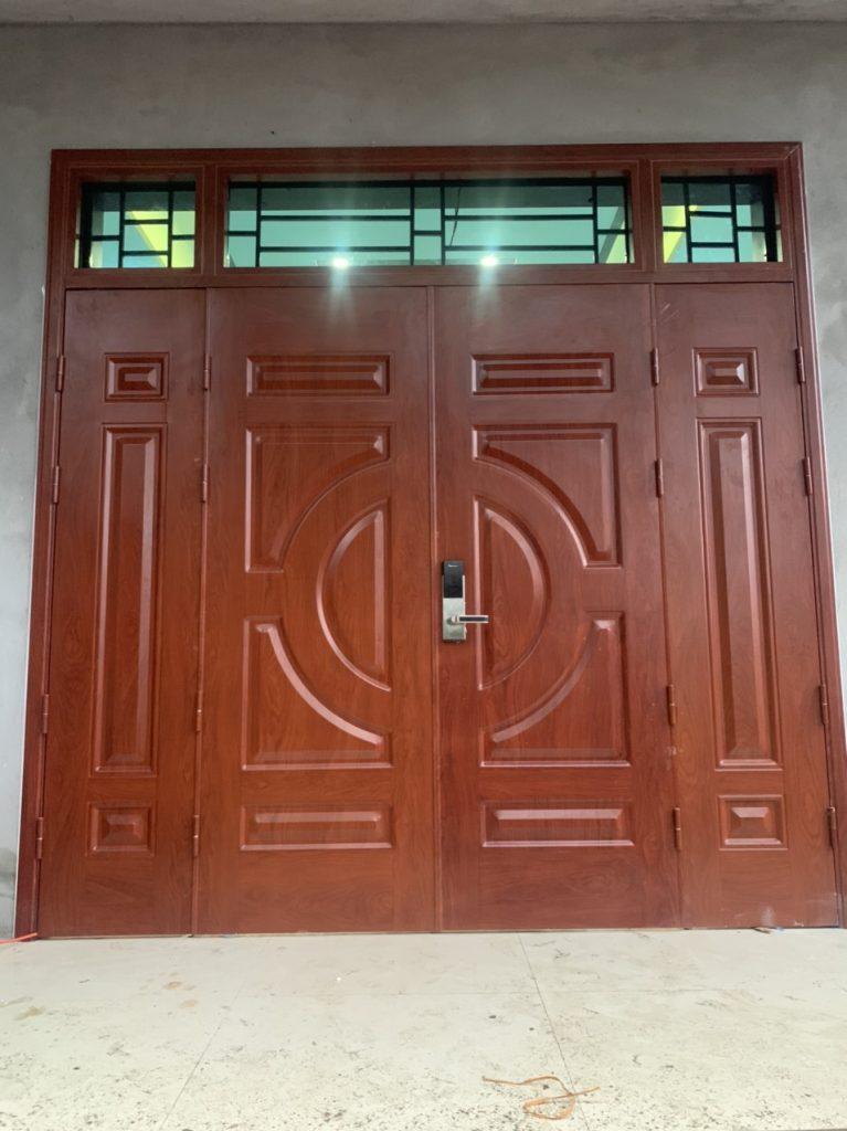 Ưu nhược điểm cửa cửa sắt 4 cánh giả gỗ