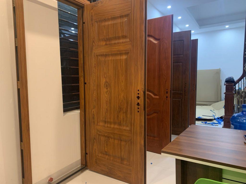 Kích thước cửa chính 4 cánh bao nhiêu là chuẩn?
