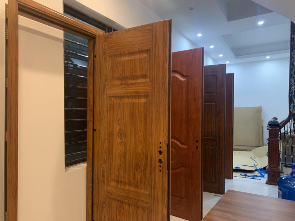 Đánh giá loại cửa an toàn nhất cho cửa chính ra vào