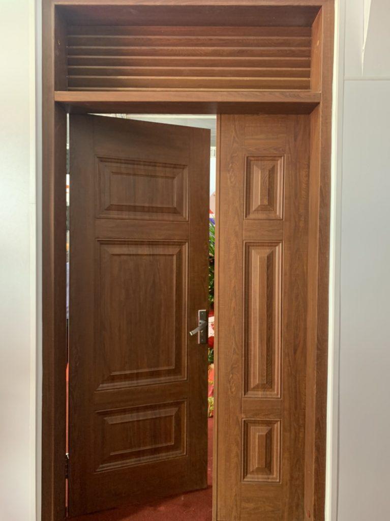 Thiết kế mẫu cửa 2 cánh cho cửa ra vào nhà ở