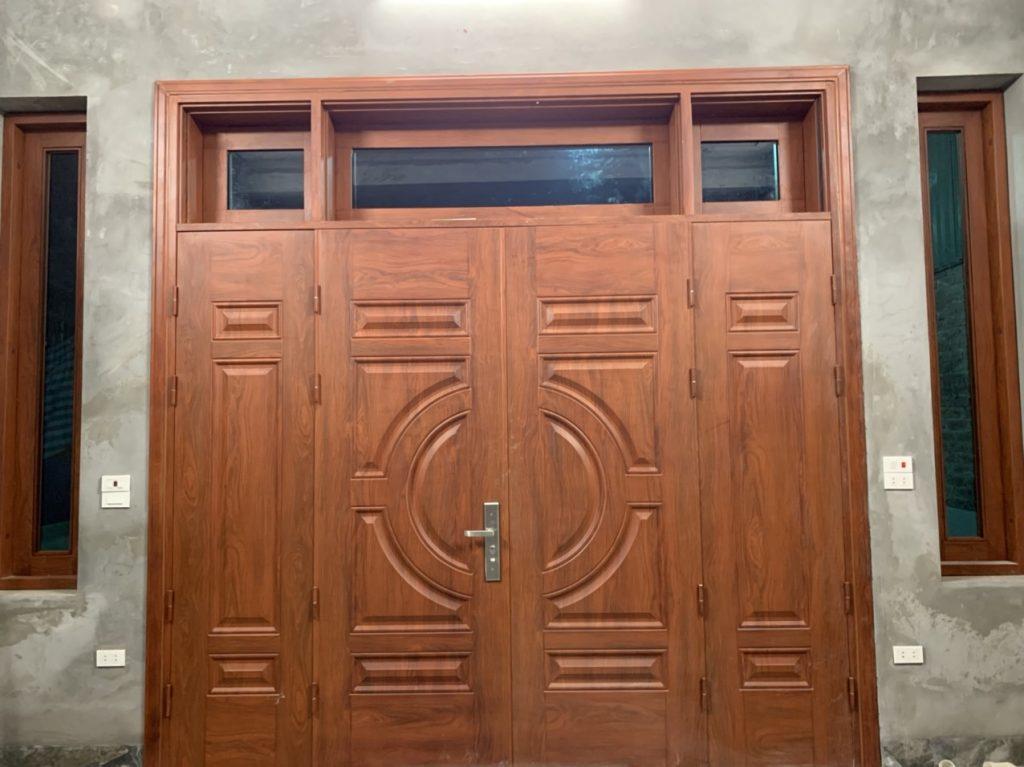 Có nên chọn kiểu cửa sắt đẹp cho cửa chính nhà ở?