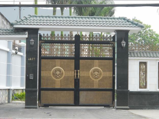 Giải đáp cổng nhà nên mở ra hay mở vào thì tốt?