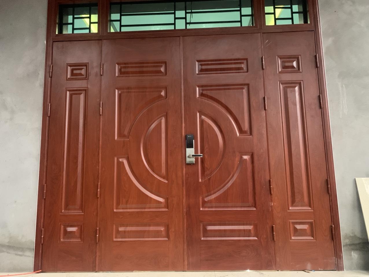 Báo giá cửa thép vân gỗ Vĩnh Phúc với nhiều ưu đãi