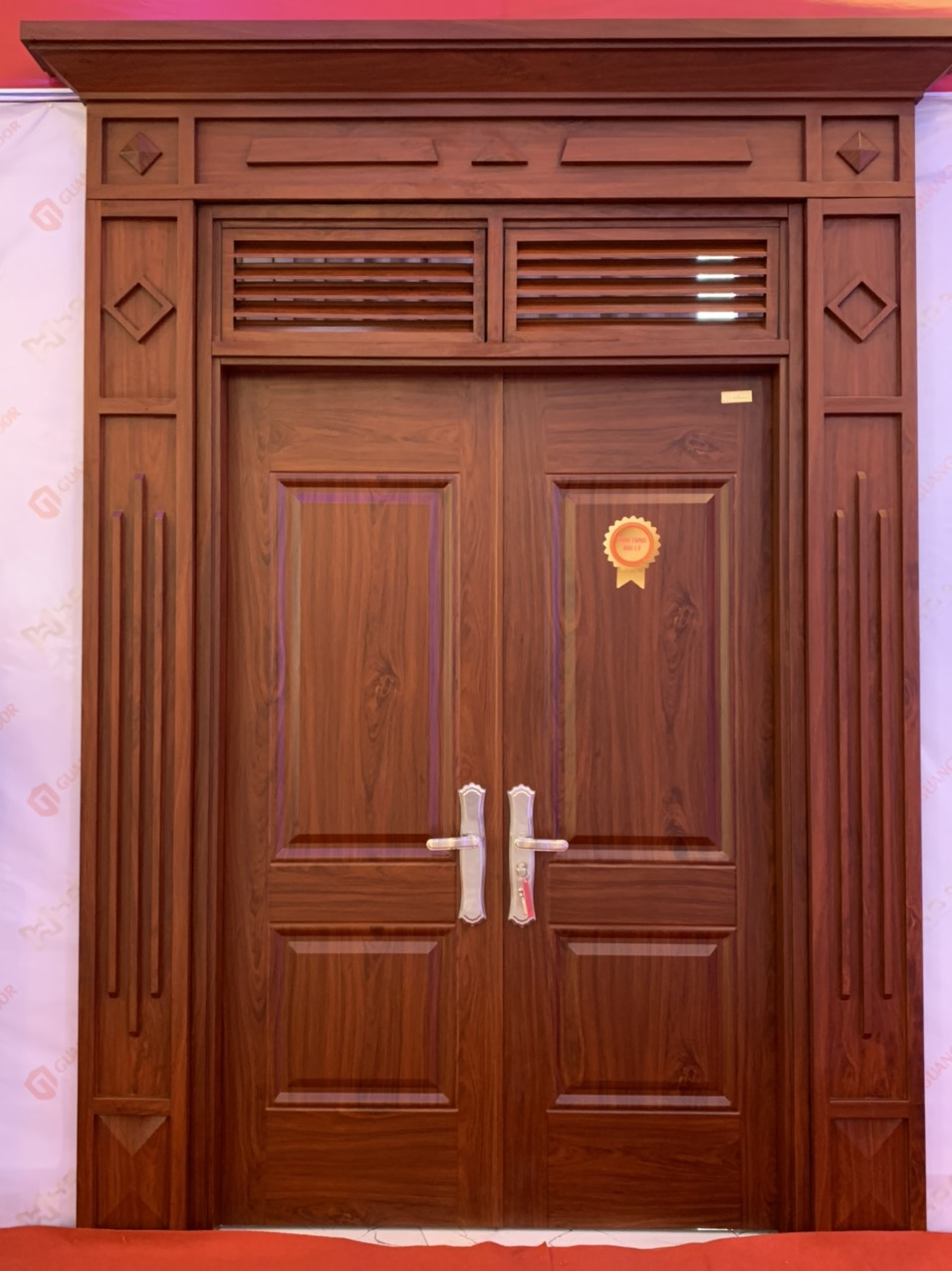 Những ưu điểm cửa thép vân gỗ tại Hải dương?
