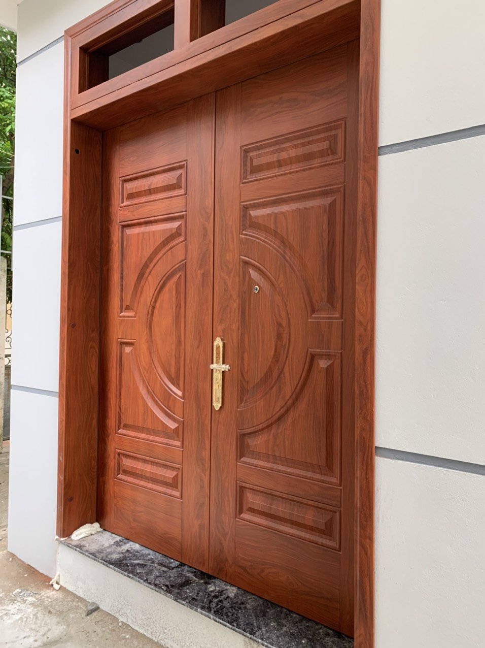 Tại sao cửa thép vân gỗ được nhiều người dùng?