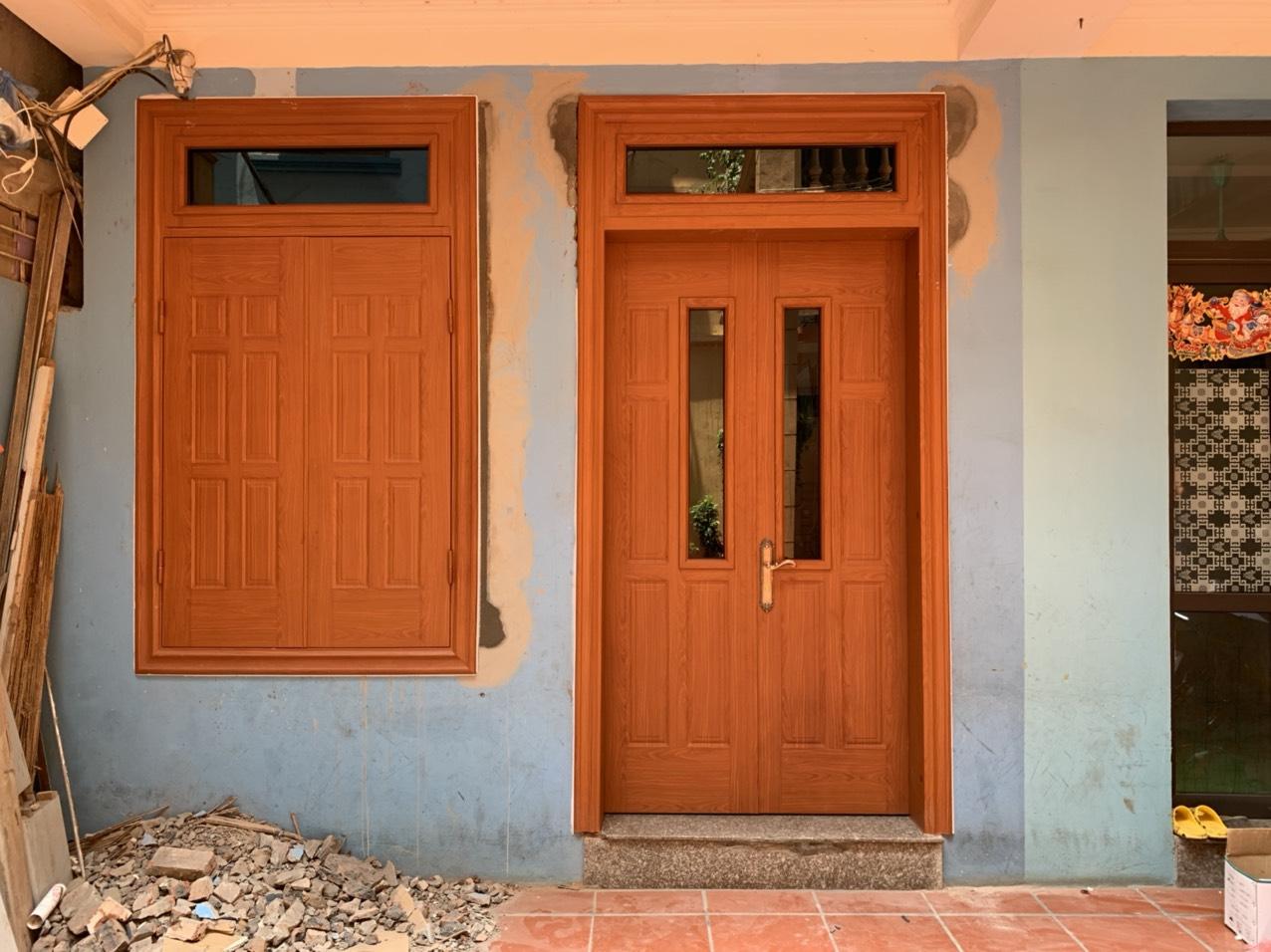 Ưu điểm khi lắp đặt cửa thép vân gỗ chung cư