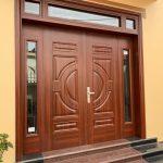 Cửa vân gỗ lõi thép là gì? Có nên dùng cửa vân gỗ lõi thép không?