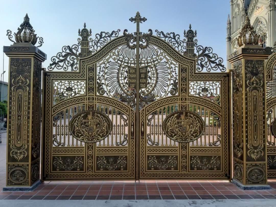Báo giá cổng nhôm đúc giá rẻ tại Cửa Thép Việt