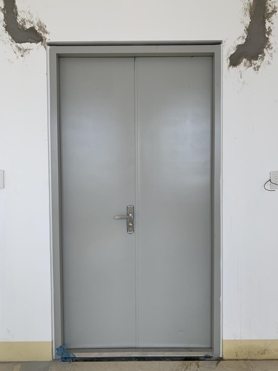Lắp đặt trọn bộ cửa sắt chống cháy giá bao nhiêu?