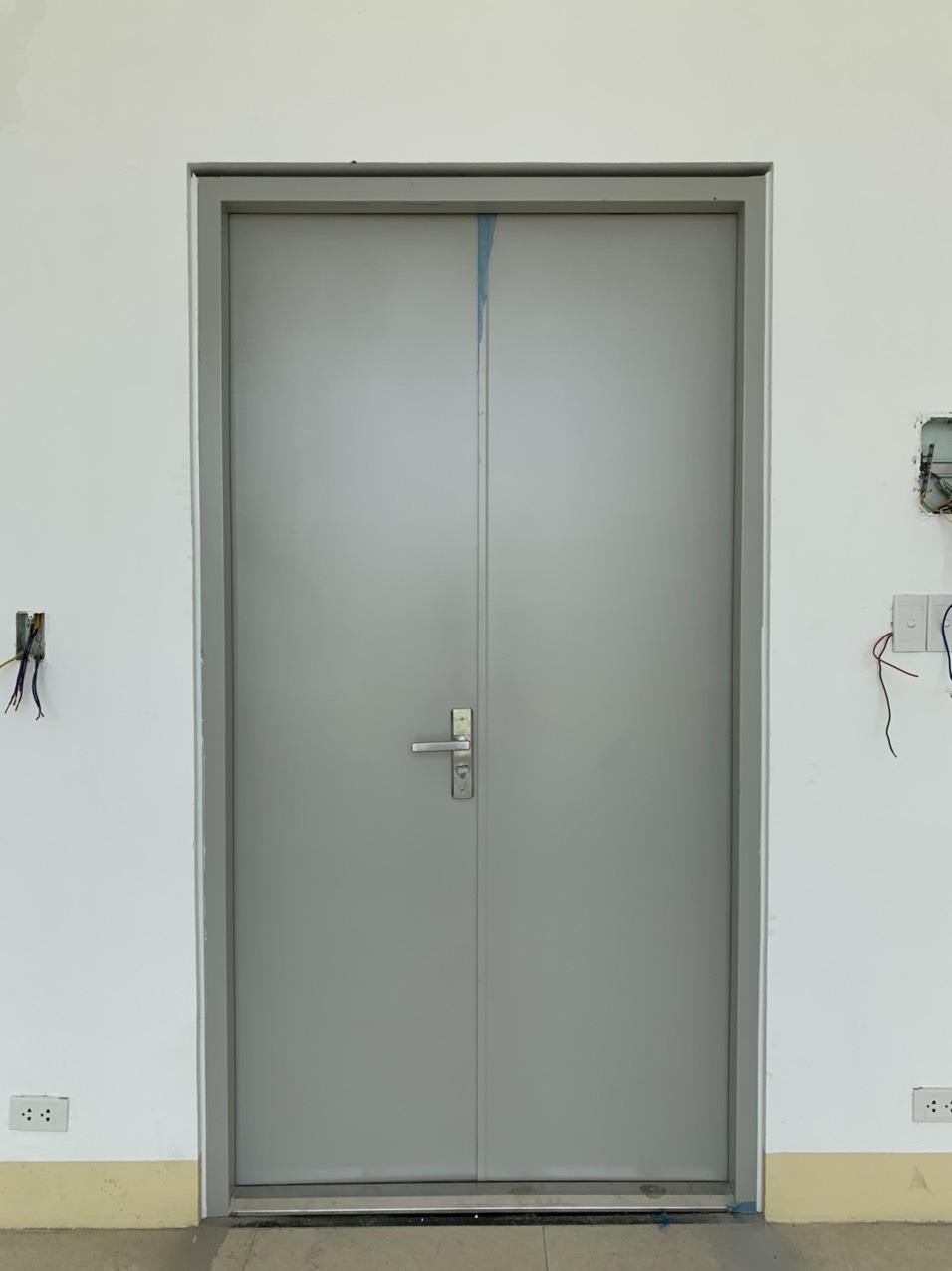 Có nên lắp cửa chống cháy inox hay không?
