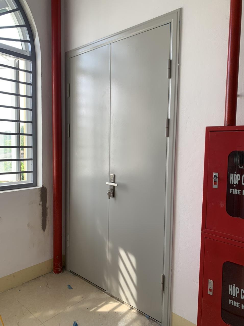 Đặc điểm cửa chống cháy đôi lắp đặt cho công trình
