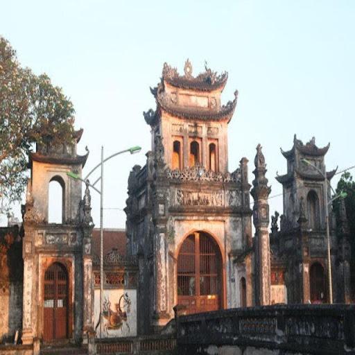 Kiến trúc đình làng cũ kỹ nhưng vấn giữ được nét đặc trưng.