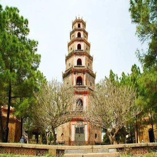 Chùa Thiên Mụ được thiết kế nằm trong khuôn viên sân chùa