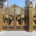 Lưu ý để chọn bộ cổng nhôm đúc đẹp cho nhà ở