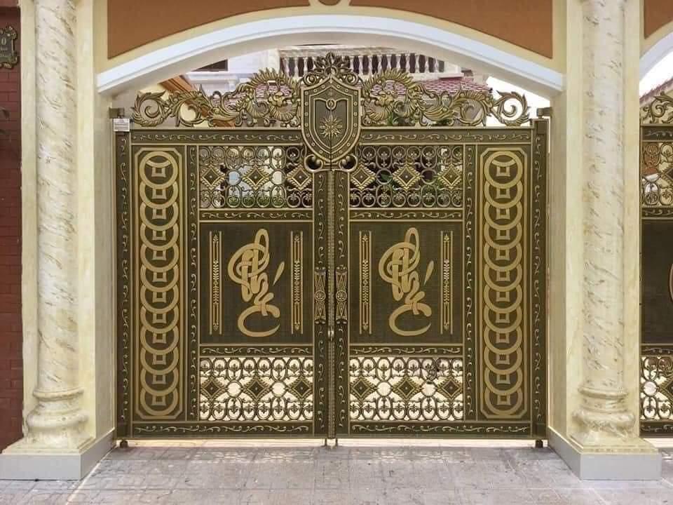 Tư vấn mẫu cổng nhôm đúc Hà nội đẹp cho nhà phố mặt tiền hẹp
