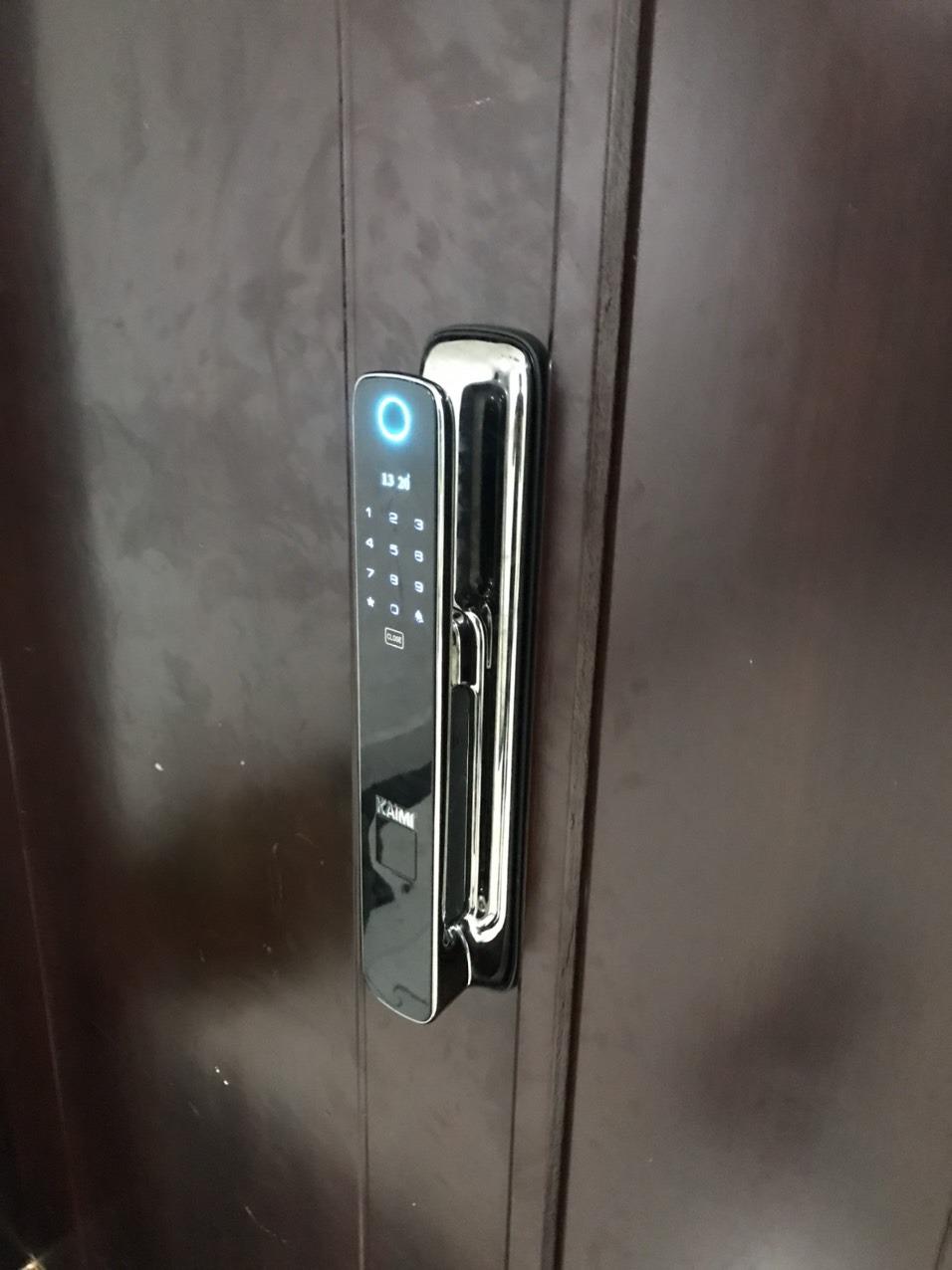 Nên mua khóa vân tay hãng nào tốt?